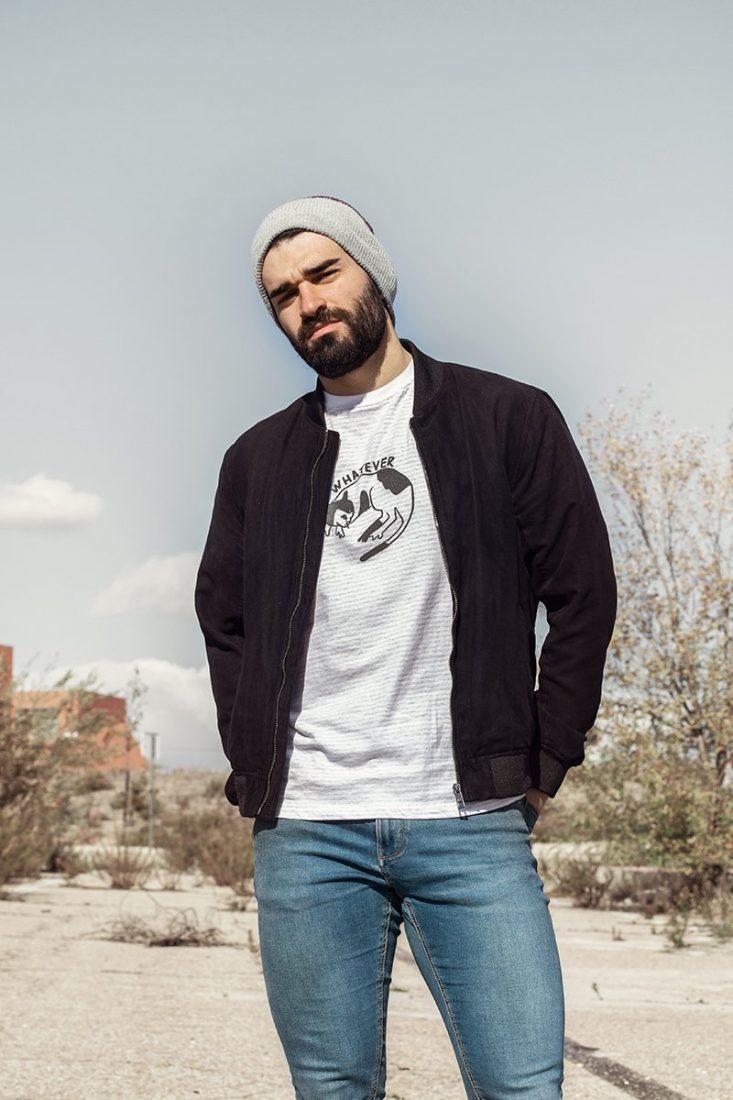 """Camiseta de comercio justo """"Whatever"""", corte chico, algodón orgánico certificado."""